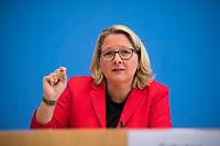 DEU, Deutschland, Germany, Berlin, 09.10.2019: Bundesumweltministerin Svenja Schulze (SPD) in der Bundespressekonferenz.