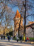 Baszta Pasamoników (znana także jako Baszta Szmuklerzy) – jedna z trzech w pełni zachowanych baszt w obrębie murów miejskich w Krakowie, widok od strony Plant.