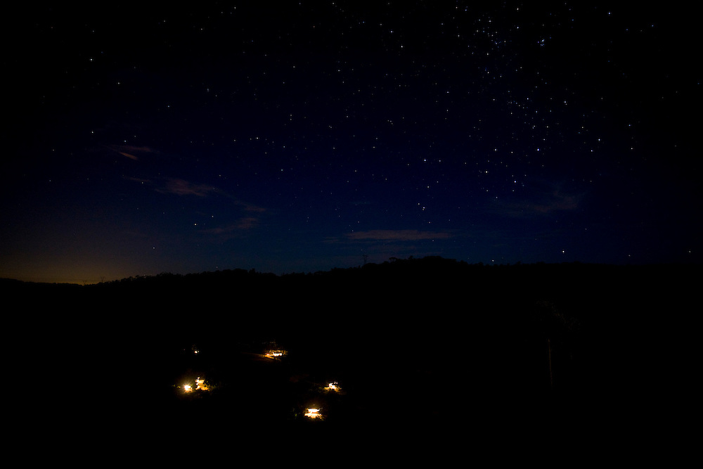 Domingos Martins_ES, Brasil...Vista panoramica de casas iluminadas em Domingos Martins...Panoramic view of illumined houses in Domingo Martins...Foto: LEO DRUMOND / NITR