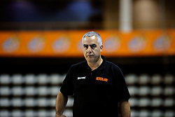 13-09-2008 BASKETBAL: NEDERLAND - IJSLAND: ALMERE<br /> De Nederlandse basketballers hebben hun tweede zege geboekt voor het ek van 2009 in de B-divisie. Oranje versloeg IJsland in almere met 84-68 / Coach Gadi Kedar<br /> ©2008-WWW.FOTOHOOGENDOORN.NL