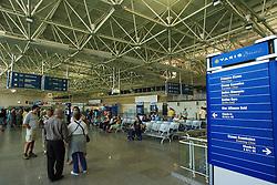 O Aeroporto Internacional do Rio de Janeiro - Antônio Carlos Jobim, também conhecido somente por Galeão, esta localizado no Bairro da Ilha do Governador, na Zona Norte da cidade do Rio de Janeiro. Localizado a aproximadamente 20 km do centro do Rio de Janeiro, seu acesso é feito pela Linha Vermelha e depois pela Avenida Vinte de Janeiro. Inaugurado no dia 20 de Janeiro de 1977, pela então Aeroportos do Rio de Janeiro S.A., foi constituído para ser o principal HUB internacional do Brasil com seu projeto inicial de 4 Terminais de Passageiros, contudo começou a perder essa função em 1985 com a inauguração do Aeroporto Internacional de Guarulhos e o enfraquecimento da economia do Rio de Janeiro. FOTO: Jefferson Bernardes/Preview.com