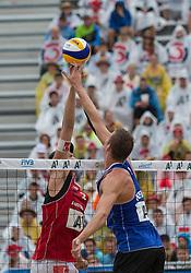 31-07-2014 AUT: FIVB Grandslam Volleybal, Klagenfurt<br /> Christiaan Varenhorst (NED), Lorenz Petutschnig (AUT)<br /> ***NETHERLANDS ONLY***