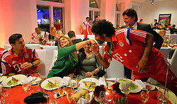 "17.05.2014, T Com, Berlin, GER, DFB Pokal, Bayern Muenchen Pokalfeier, im Bild Dante kisses the hand of the wife of Claudio Pizarro Dante, // during the FC Bayern Munich ""DFB Pokal"" Championsparty at the T Com in Berlin, Germany on 2014/05/17. EXPA Pictures © 2014, PhotoCredit: EXPA/ Eibner-Pressefoto/ EIBNER<br /> <br /> *****ATTENTION - OUT of GER*****"