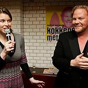 """NLD/Amsterdam/20100421 -  Presentatie Bastiaan van Schaik boek """"Koken met Modellen"""", Bastiaan van Schaik en uitgever"""