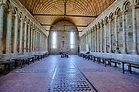 France, Manche (50), Baie du Mont Saint-Michel classé Patrimoine Mondial de l'UNESCO, Abbaye du Mont Saint-Michel, le refectoire // France, Normandy, Manche department, Bay of Mont Saint-Michel Unesco World Heritage, Abbey of Mont Saint-Michel, the canteen