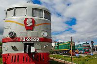 Mongolie, Oulan Bator, le musee du chemin de fer (transsiberien), ancienne locomotive de 1948, image de Joseph Stalin// Mongolia, Ulan Bator, railway museum, old locomotive from trans siberian train, dated 1948, Joseph Satlin statue