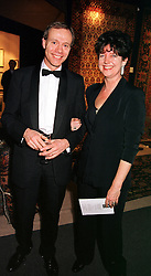 Former chief executive of Covent Garden Opera House MARY ALLEN and her husband MR NIGEL PANTLING, at a reception in London on 23rd March 2000.<br /> OCE 69<br /> © Desmond O'Neill Features:- 0208 971 9600<br />    10 Victoria Mews, London.  SW18 3PY  photos@donfeatures.com<br /> MINIMUM REPRODUCTION FEE AS AGREED.<br /> PHOTOGRAPH BY DOMINIC O'NEILL