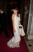 Elizabeth Hurley, Ball at Blenheim Palace in aid of the Red Cross, Woodstock, 26 June 2004. SUPPLIED FOR ONE-TIME USE ONLY-DO NOT ARCHIVE. © Copyright Photograph by Dafydd Jones 66 Stockwell Park Rd. London SW9 0DA Tel 020 7733 0108 www.dafjones.com