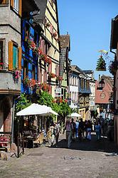 Tourists shopping in the 16th Century village of Riquewihr, Alsace, France<br /> <br /> (c) Andrew Wilson   Edinburgh Elite media