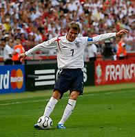 Photo: Glyn Thomas.<br />England v Paraguay. Group B, FIFA World Cup 2006. 10/06/2006.<br /> England's David Beckham.
