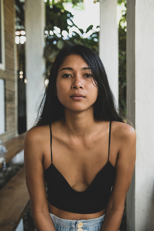 Portrait of a Filipino woman at a cafe in Port Barton, Palawan, Philippines (July 2019)