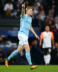 Kevin De Bruyne of Manchester City points - Mandatory by-line: Matt McNulty/JMP - 26/09/2017 - FOOTBALL - Etihad Stadium - Manchester, England - Manchester City v Shakhtar Donetsk - UEFA Champions League Group stage - Group F