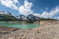 THEMENBILD - die Staumauern des Mooserboden Stausees mit den umliegenden Bergen, aufgenommen am 15. Juni 2017, Kaprun, Österreich // the dam of the reservoir Mooserboden with surrounding mountains on 2017/06/15, Kaprun, Austria. EXPA Pictures © 2017, PhotoCredit: EXPA/ JFK