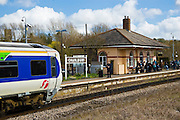 First Great Western train arrives at Charlbury Station, Oxfordshire, The Cotswolds, UK