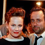 NLD/Den Haag/20110406 - Premiere Alle Tijden, Lies Visschedijk en partner Marc van Uchelen