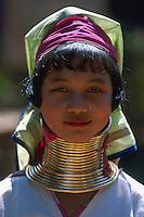 Myanmar (ex Birmanie), Province de Shan, Lac Inle, Femme girafe, femme d'ethnie Padung // Myanmar (Burma), Shan province, Inle lake, Giraffe woman, Padung ethnic groupNecklace