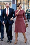 Koningspaar bij seminar over Indonesie voor staatsbezoek in de Brakke grond in Amsterdam.<br /> <br /> Royal couple at seminar on Indonesia for state visit in the Brakke land in Amsterdam.<br /> <br /> Op de foto aankomst Koning Willem Alexander en Koningin Maxima / King Willem Alexander and Queen Maxima