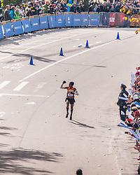 NYC Marathon, Meb Keflezighi, USA, pumps fist in homestretch to claim 4th