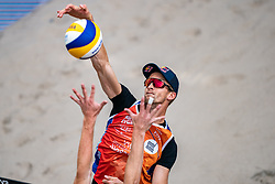 Robert Meeuwsen in action during the last day of the beach volleyball event King of the Court at Jaarbeursplein on September 12, 2020 in Utrecht.