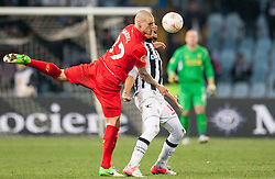 06.12.2012, Stadio Friuli, Udine, ITA, UEFA EL, Udinese Calcio vs FC Liverpool, Gruppe A, im Bild Martin Skrtel (# 37, Liverpool FC), Mehdi Benatia (# 17, Udinese Calcio) // during the UEFA Europa League group A match between Udinese Calcio and Liverpool FC at the Stadio Friuli, Udinese, Italy on 2012/12/06. EXPA Pictures © 2012, PhotoCredit: EXPA/ Juergen Feichter