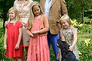 Koninklijke fotosessie 2013 op landgoed De Horsten ( het huis van de koninklijke familie)  in Wassenaar.<br /> <br /> Royal photoshoot 2013 at De Horsten estate (the home of the royal family) in Wassenaar.<br /> <br /> Op de foto / On the photo: prinsesjes Amalia, Alexia en Ariane en de labrador Skipper<br /> <br /> princesses Amalia, Alexia and Ariane and the labrador Skipper
