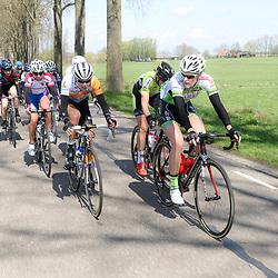 16-04-2016: Wielrennen: IJsseldelta Topcompetitie vrouwen: Zwolle<br />ZWOLLE (NED) wielrennen <br />Wind was in deze editie de grootste tegenstanders van de vrouwen. Kopgroep met o.a. Monique van der Ree, Thalita de Jong, Olga Zablinskaia, Miekie Kroger, Kirsten Wild