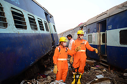 November 20, 2016 - Kanpur: Rescue and relief works in progress after 14 coaches of the Indore-Patna express derailed, killing around 90 people and injuring 150, in Kanpur Dehat on 20-11-2016. photo by prabhat kumar verma (Credit Image: © Prabhat Kumar Verma via ZUMA Wire)