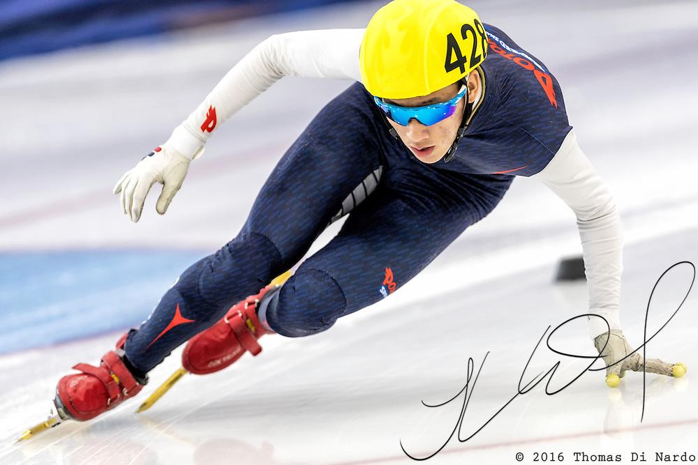 December 17, 2016 - Kearns, UT - Timothy Yoo skates during US Speedskating Short Track Junior Nationals and Winter Challenge Short Track Speed Skating competition at the Utah Olympic Oval.