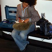 NLD/Huizen/20050706 - Premiere Nieuw Groot Chinees Staatscircus, Mirjam Rossewij van TV NH