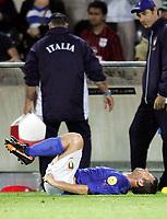 Italiens Antonio Cassano liegt am Boden. (NO MOBILE - NO PDA - NO MMS). © Valeriano Di Domenico/EQ Images
