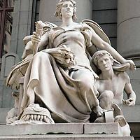 Warrior Goddess sculpture, Customs Building