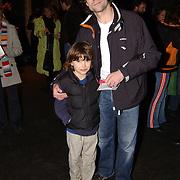 Premiere Slava Snowshow, Daniel Boissevain en zoon Robin