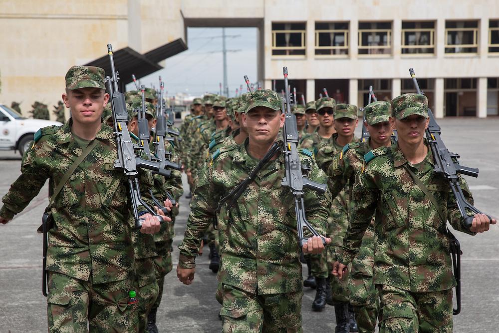 Bogota, Cundinamarca, Colombia - 05.10.2016        <br /> <br /> Training of Colombian soldiers in the army base of the 37th infantry in Bogota.<br /> <br /> Ausbildung von kolumbianischen Soldaten in der Armeekaserne der 37. Infanterie in Bogota.<br /> <br /> Photo: Bjoern Kietzmann