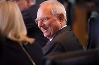 DEU, Deutschland, Germany, Berlin, 14.12.2016: Bundesfinanzminister Dr. Wolfgang Schäuble (CDU) vor Beginn der 129. Kabinettsitzung im Bundeskanzleramt.