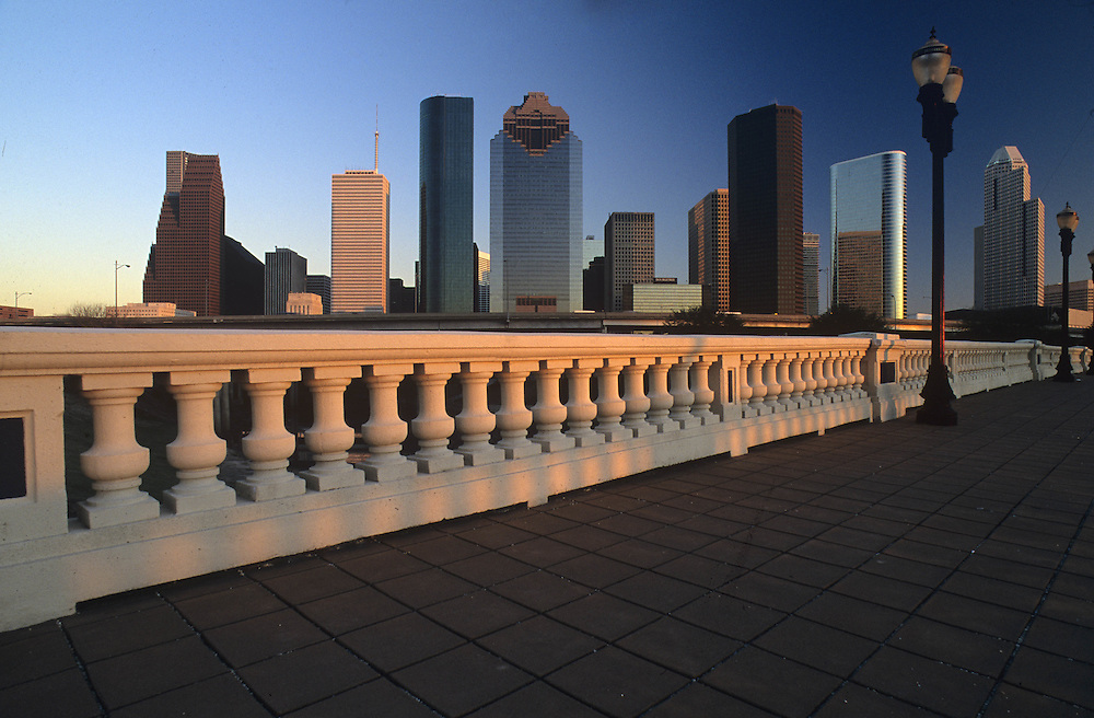 Daytime skyline of Houston, Texas from the Sabine Street Bridge.