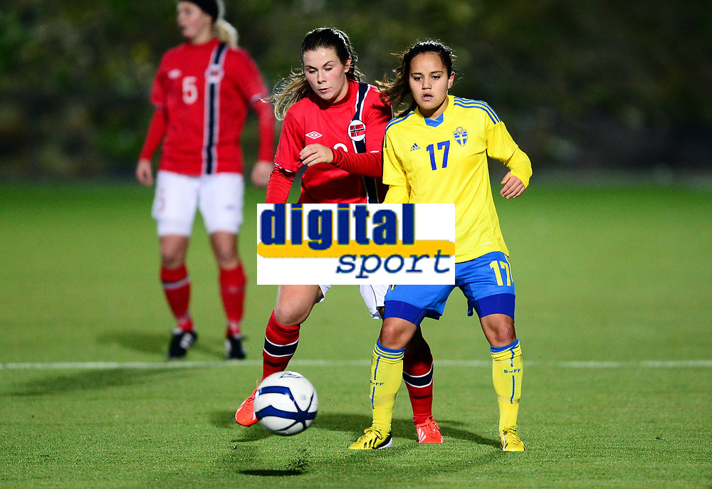Fotball , 30. oktober 2013 , Privat kamp kvinner U23 , Norge- Sverige 1-0<br /> U23 Norway - Sweden<br /> Emilie Bosshard Håvi , Norge<br /> Malin Diaz Pettersson , Sverige