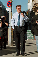 13 SEP 1999, BERLIN/GERMANY:<br /> Wolfgang Gerhardt, FDP Bundesvorsitzender, auf dem Weg zur Sitzung des FDP Präsidiums, Thomas-Dehler-Haus<br /> IMAGE: 19990913-01/01-09
