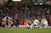 Photo: Lee Earle.<br /> Barnsley v Swansea City. Coca Cola League 1. Play off Final. 27/05/2006. The Swansea team look dejected after losing in the final.