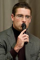 Gregor Krusic med STA Maxi sportni klub, v katerem so govorilo o preboju teniskih igralvec v TOP 100. Dne 20, Novembra 2012 v Maksimarketu, Ljubljana, Slovenija. (foto Urban Urbanc / sportida)