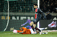 FOOTBALL - FRENCH CHAMPIONSHIP 2011/2012 - L1 - PARIS SAINT GERMAIN v TOULOUSE FC  - 14/01/2012 - PHOTO JEAN MARIE HERVIO / REGAMEDIA / DPPI - JAVIER PASTORE (PSG) / ALI AHAMADA (TFC)