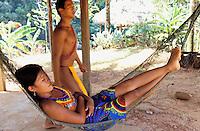 Panama, Parc national de Chagres, jeune indienne Embera // Panama, National Park of Chagres, Indian Embera