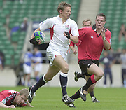 24/05/2002<br /> Sport - Rugby Union<br /> IRB World Sevens Series - Twickenham<br /> England vs Canada - Pool B<br /> Nick Duncombe, cuts through the Canadian defence on his way to a first half try.<br />    [Mandatory Credit, Peter Spurier/ Intersport Images]<br />    [Mandatory Credit, Peter Spurier/ Intersport Images]