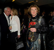 PAUL MYNERS; ALSION MYNERS; GRAYSON PERRY, The Presentation of the Montblanc de la Culture Arts Patronage Award to Anthony D'Offay. Tate Modern. 16 April 2009 *** Local Caption *** -DO NOT ARCHIVE-© Copyright Photograph by Dafydd Jones. 248 Clapham Rd. London SW9 0PZ. Tel 0207 820 0771. www.dafjones.com.<br /> PAUL MYNERS; ALSION MYNERS; GRAYSON PERRY, The Presentation of the Montblanc de la Culture Arts Patronage Award to Anthony D'Offay. Tate Modern. 16 April 2009