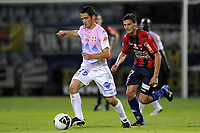 FOOTBALL - FRENCH CHAMPIONSHIP 2010/2011 - L2 - CLERMONT v EVIAN TG - 1/10/2010 - PHOTO JEAN MARIE HERVIO / DPPI - GUILLAUME LACOUR (ETG) / NICOLAS BAYOD (CLE)