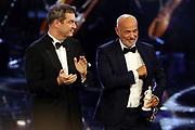 """Dr. Markus Söder, Ministerpräsident von Bayern, und Heiner Lauterbach, Preisträger """"Ehrenpreis des Bayerischen Ministerpräsidenten"""". Verleihung 41. Bayerischer Filmpreis 2019 am 17.01.2020 im Prinzregententheater München."""