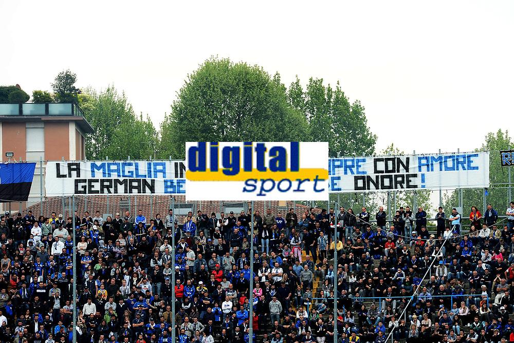 Tifosi Atalanta Supporters. Striscione per German Denis <br /> Bergamo 03-05-2015 Stadio Atleti Azzurri d'Italia - Football Calcio Serie A Atalanta - Lazio. Foto Matteo Gribaudii / Image Sport / Insidefoto