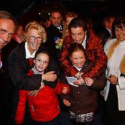 Russisch Kerstcircus 2003, vriend Toth, Ria Hoogenwegen - Lubbers, kleinkinderen Willemijn + Emily en dochter Heleen, Sylvia Toth