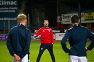 06/10/2020: Dundee FC train at Kilmac Stadium after their Betfred Cup match against Forfar Athletic was postponed due to a positive COVID test result for one of the Forfar players: Dundee manager James McPake addresses the players <br /> <br /> <br />  :©David Young: davidyoungphoto@gmail.com: www.davidyoungphoto.co.uk