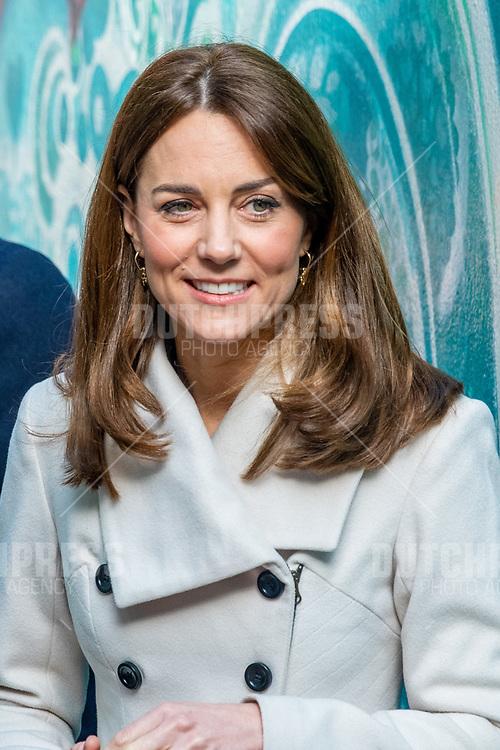 DUBLIN - Catherine Hertogin van Cambridge bij een bezoek aan Jigsaw in Dublin, op de tweede dag van hun drie-daags bezoek aan Ierland.