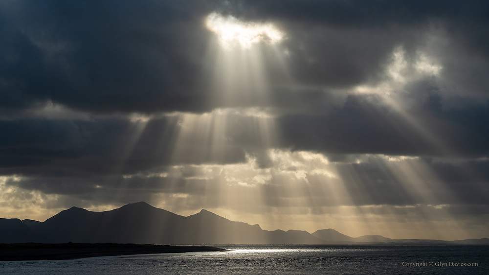 According to the weather forecast it was supposed to be bright sunshine this afternoon - thankfully it wasn't, and I was gifted with incredible dramatic light over the Llyn Peninsula.